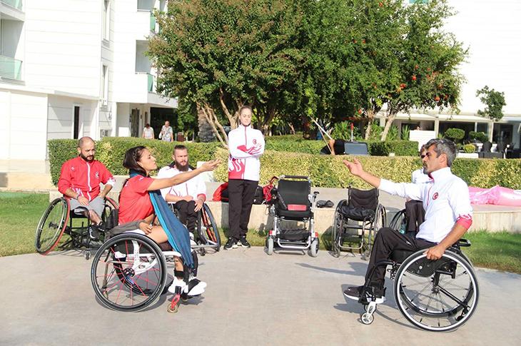 Tekerlekli Sandalye Dans Milli Takım Sporcuları Antalya'da